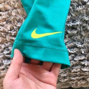 Nike Pants - Nike Pro leggings - EUC